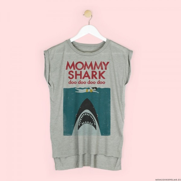 "Camiseta ""Mommy shark"""